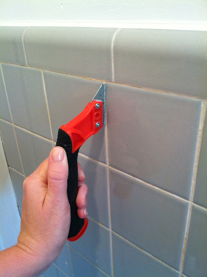 How to regrout tiles How to regrout bathroom tiles
