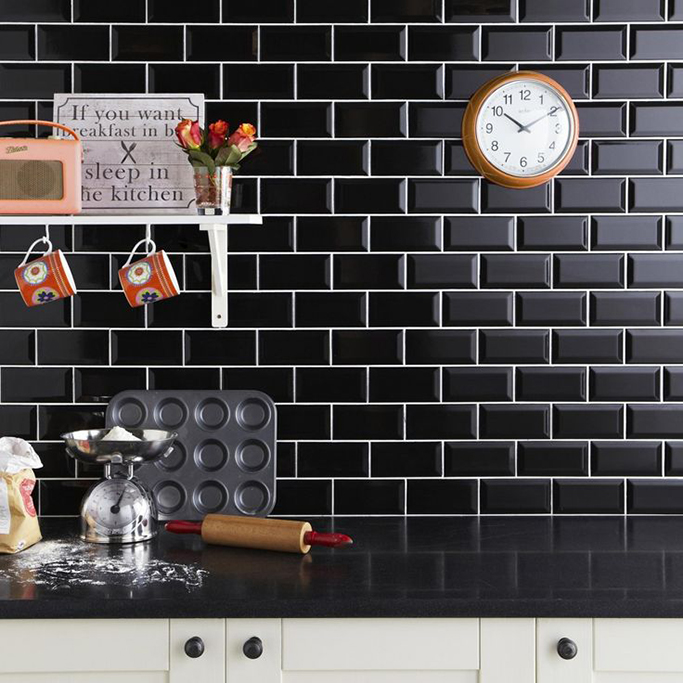 White Kitchen Tiles Grey Grout: The Drama Of Black Metro Tiles