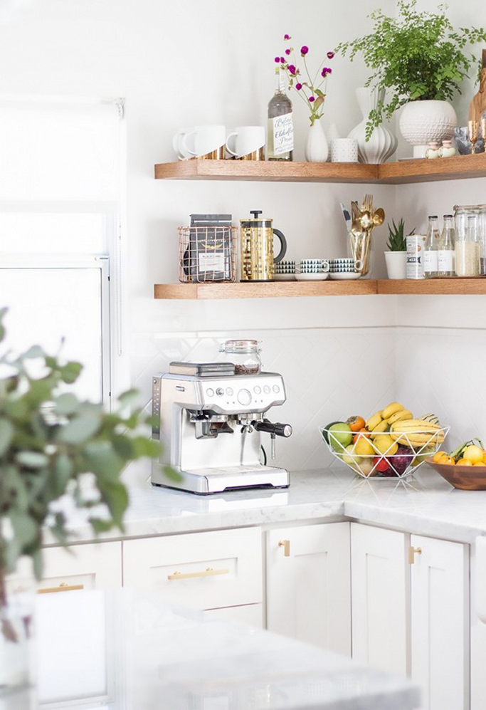 What items do you choose to display in your kitchen? I'd love to see ...