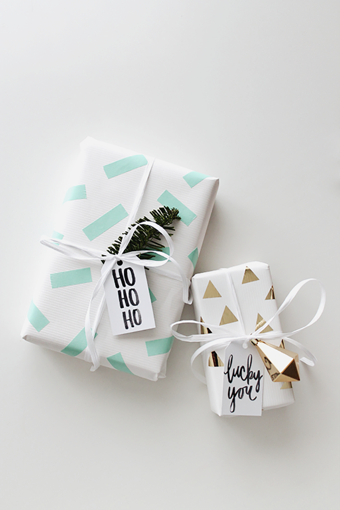 10 easy diy christmas gift wrapping ideas tile mountain for Paper christmas gifts