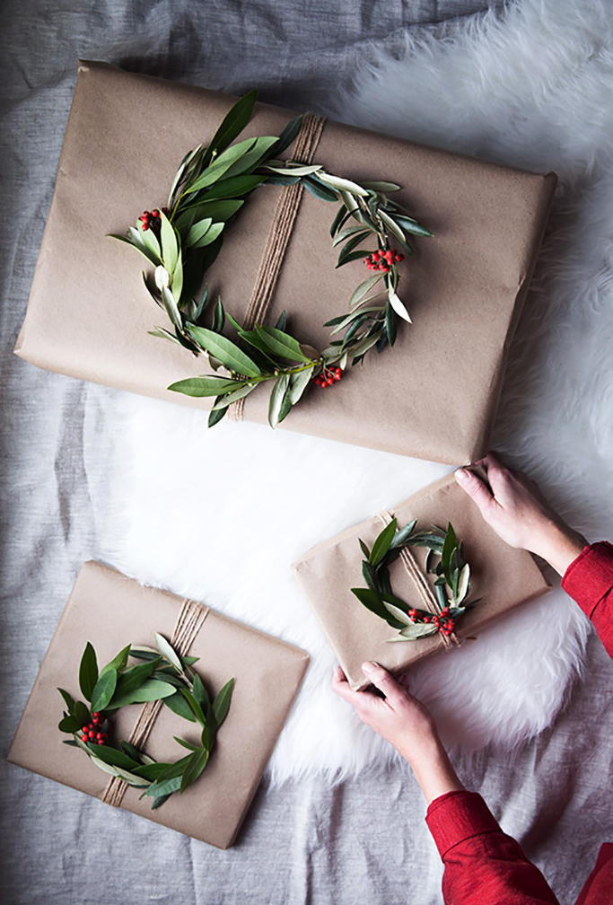 wreath_gift_toppers