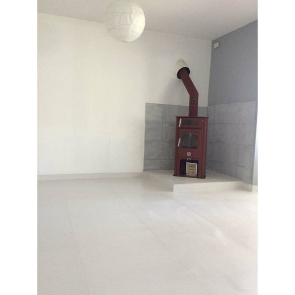 Strauss White Porcelain Wall And Floor